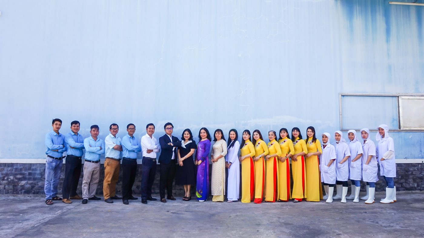 Company-MT-Fruit-&-Vegetable-manufacturer-in-Vietnam-Frozen-Fruits-Frozen-Vegetables-MTFruit-team-Vietnam